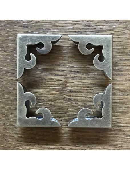 SATWA Esquinera Color Bronze 4 pzas, medida 2,x2,7cm